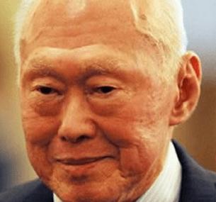 Lee Kuan Yew dies