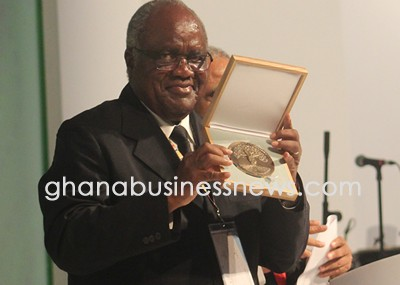 Former Namibian President Pohamba honoured with 2014 Mo Ibrahim prize