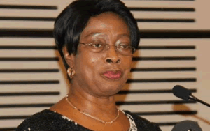 Flee from corruption – Chief justice warns judges, judicial staff