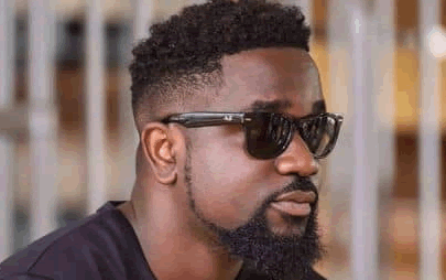 Sarkodie inspires youth to think outside the box