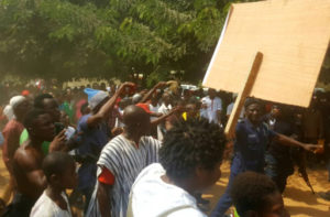Picketing railway construction workers clash with police