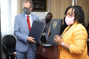 Ghana and Switzerland sign climate protection agreement