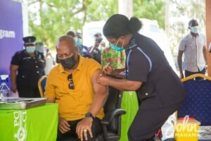 Former President John Mahama and wife take COVID-19 vaccination